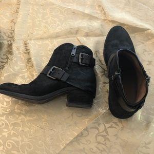 Exclusive Donald J Pliner Black Leather Buckle